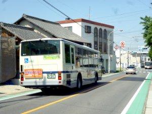 東條バス停